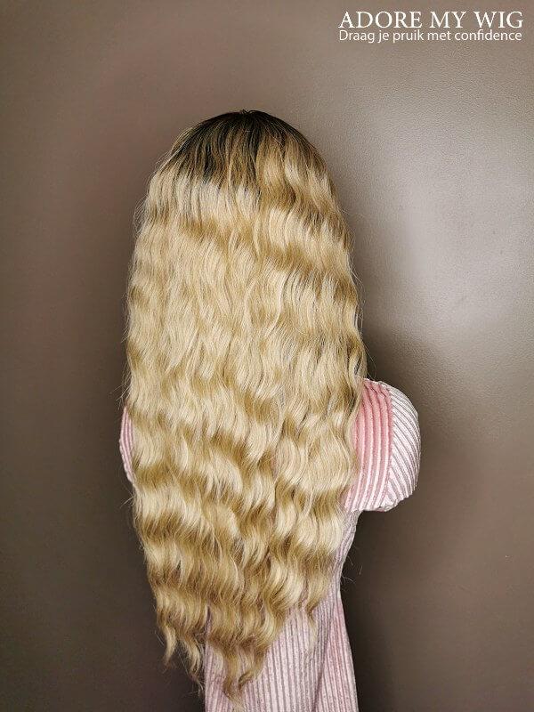 Ashblonde wig