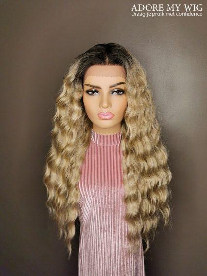 Ashblonde lace wig