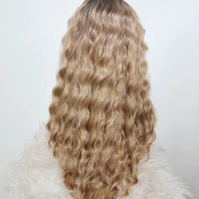 Curly Lace Wig Ombre-blond van Adore My Wig