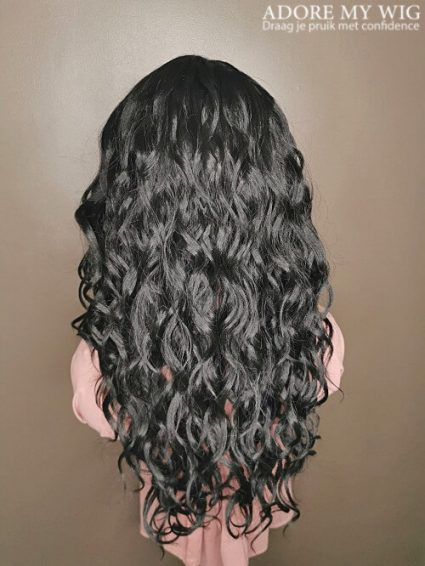 Curly wig black layered