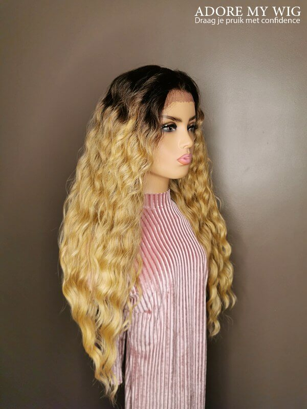 Bruin-Blond Caribbean Curly Wig