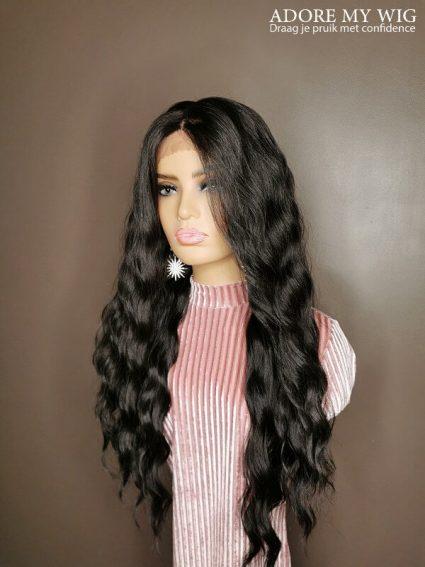 4X4 Wavy Lace Wig Zwart