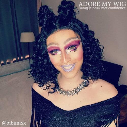 Drag queen pruiken – curly Adore My Wig new 2